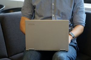 Đánh giá nhanh laptop Lenovo Yoga Book 730