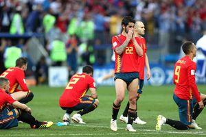 Người hâm mộ nói gì khi Tây Ban Nha phải về nước sớm?