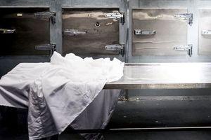 Một phụ nữ Nam Phi bất ngờ sống dậy trong... nhà xác