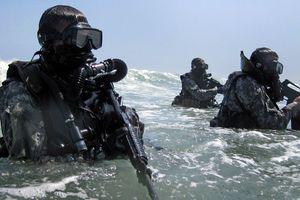 Kỹ năng lặn điêu luyện của biệt đội Seal Thái Lan