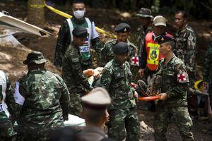 Thái Lan cấp bách nỗ lực đưa nạn nhân ra khỏi hang trước mưa lớn