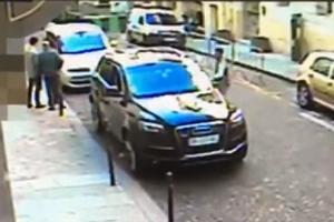 Xe SUV chở tài liệu mật của quân đội Israel bị cướp ngay trước mắt an ninh