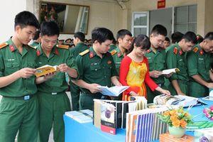 Hàng nghìn thí sinh xét tuyển vào trường Sĩ quan Chính trị không hợp lệ