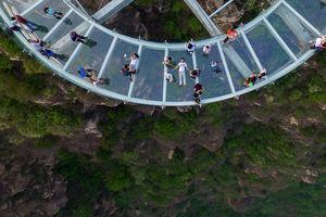 5 địa điểm ở Trung Quốc thách thức du khách ưa mạo hiểm