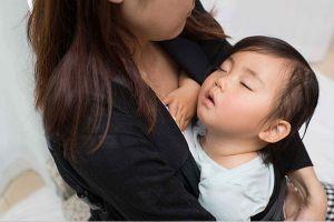 Cách chữa cảm nắng cho bé đơn giản, hiệu quả mẹ cần ghi nhớ