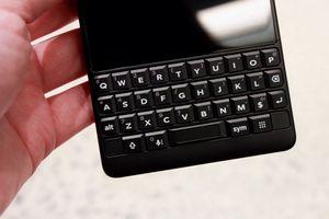 Bàn phím vật lý có thể giết chết Blackberry Key2