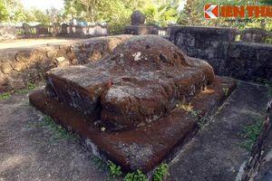 Khám phá lăng mộ 400 năm của người mở đất Phú Yên