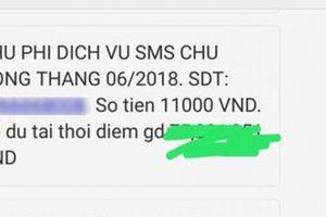 Khách hàng 'đau đầu' với hàng trăm tin nhắn thu phí từ Vietcombank