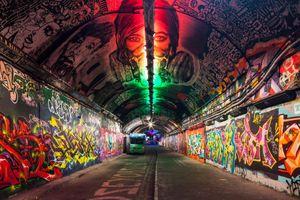 Graffiti: Phá hoại hay lao động?