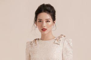 'Quý cô' Khánh Linh The Face đẹp trang nhã và dịu dàng trong BST mới