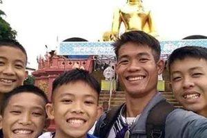 Xúc động dòng tin nhắn bạn bè gửi cầu thủ nhí Thái Lan đang mắc kẹt