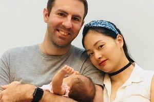 Con gái xinh đẹp của Lan Phương và chồng Tây cao hơn 2m