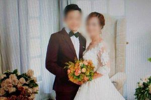 Lộ người chụp giấy chứng nhận kết hôn của cô dâu 61 tuổi