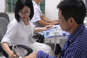 Nghị lực phi thường của nữ bác sỹ xinh đẹp bị mất một chân