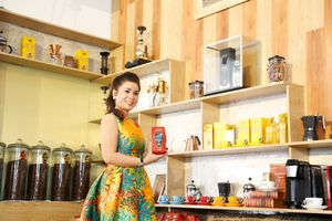Bà Lê Hoàng Diệp Thảo ra mắt cà phê Vua tại Việt Nam