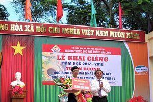 'Cậu bé google' Nhật Minh thủ khoa tốt nghiệp THPT tại Quảng Trị
