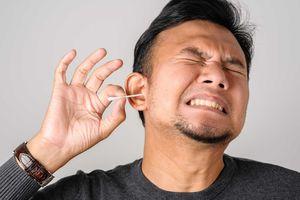 Những sai lầm bạn thường mắc khi lấy ráy tai