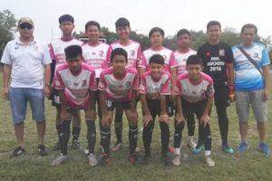Đội bóng Lợn Hoang của Thái Lan trở lại luyện tập