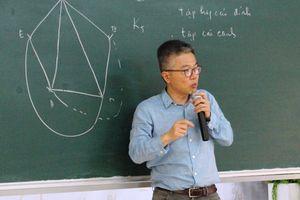 Giáo sư Ngô Bảo Châu mở 'hộp đen' đam mê toán học