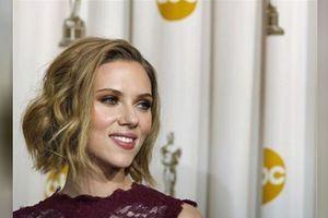 Scarlett Johansson bỏ vai diễn sau phản ứng của cộng đồng LGBT