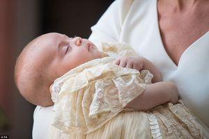 Hé lộ những hình ảnh tuyệt đẹp trong Lễ rửa tội Hoàng tử bé nước Anh