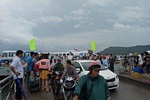 Hàng nghìn khách kẹt ngoài đảo Phú Quốc