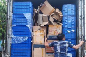 Hà Nội: Bắt giữ xe chở hơn 5.000 bao thuốc lá lậu