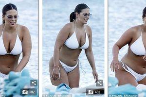 'Siêu mẫu béo' Ashley Graham tự tin khoe dáng với bikini hai mảnh
