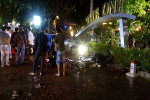 Vụ ô tô 'điên' lao vào quán cà phê tông chết 2 nữ sinh: Bắt tạm giam tài xế 21 tuổi