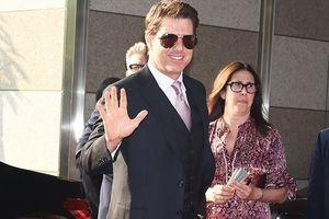 Tom Cruise gặp sự cố quên kéo khóa quần ở lễ ra mắt phim