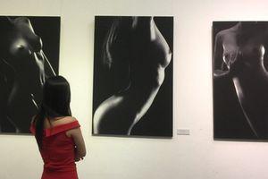'Ngắm' loạt 'Ảnh nude nghệ thuật' tại triển lãm quy mô quốc gia