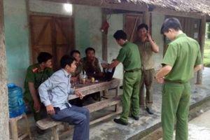 Hà Giang: Điều tra đôi vợ chồng chủ quán tạp hóa bị chém thương vong