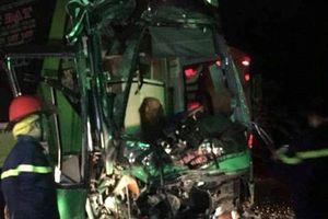 Đắk Lắk: Hai xe giường nằm va chạm mạnh khiến nhiều người bị thương nặng