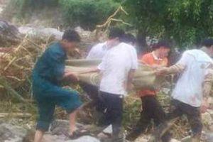 4 người trong gia đình chết và mất tích: Nhìn thấy lũ cuốn vợ và con nhưng bất lực