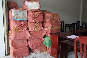 Hậu Giang: Dùng ô tô vận chuyển gần 20.000 gói thuốc lá lậu