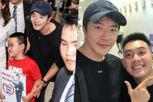 Kwon Sang Woo thân thiện bắt tay fan nhí, 'tự sướng' cùng Phở Đặc Biệt