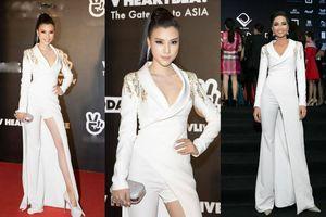 Hoàng Oanh chơi trội với chiếc váy 2 trong 1 của H'Hen Niê và cái kết mỹ mãn khiến fan đẹp lòng