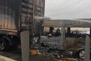 Trích xuất camera truy tìm nguyên nhân xe khách bốc cháy trên cao tốc