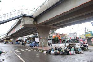 Người dân Quỳnh Lưu đang phải 'sống chung' với rác thải sinh hoạt
