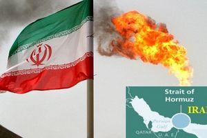 Iran phong tỏa eo biển Hormuz: Mỹ đừng vuốt đuôi sử tử