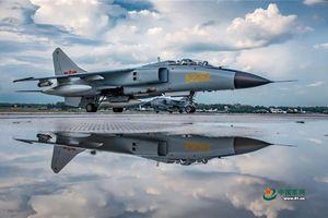 Choáng với dàn máy bay Trung Quốc mang đi thi Army Games 2018
