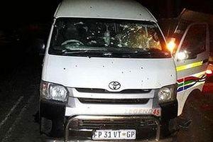 Đi đám tang đồng nghiệp, 11 tài xế taxi bị bắn chết
