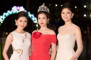 Đỗ Mỹ Linh mặc đồ 'sến sẩm' đi làm BGK Hoa hậu Việt Nam