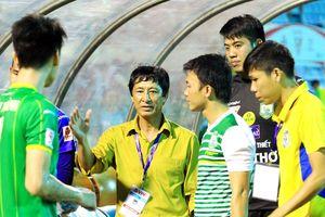 HLV Quang Bảo tự tin giúp Cần Thơ trụ hạng