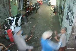 Vụ 2 phụ nữ bị côn đồ chém ở phố Tây: Nạn nhân cung cấp clip