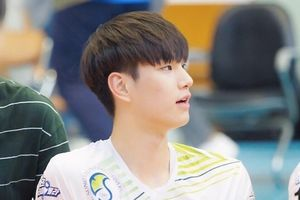 6 'nam thần bóng chuyền' Hàn Quốc cao trên 1,90 m nổi tiếng trên mạng