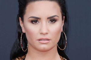 Nữ ca sĩ Demi Lovato nhập viện vì dùng ma túy quá liều
