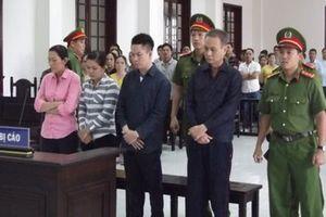 62 năm tù giam cho nguyên Hiệu trưởng và 3 nhân viên tham ô tài sản