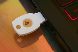 Google ra mắt khóa bảo mật USB, mạnh hơn xác thực SMS