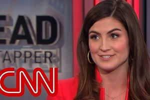 Nhà Trắng thẳng tay 'cấm cửa' phóng viên CNN